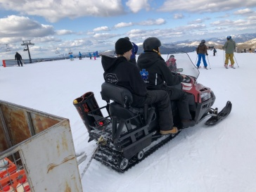 Snow mobile working